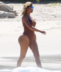 Khloe Kardashian - Swimsuit candids in Mexico 8/13/18