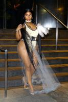 Nicki Minaj wears C through dress @ the 2018 MTV VMA 79284611_79258421_nicky-047
