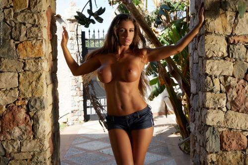Isabelle-Fitness-Fever-2--06s4c7je3b.jpg