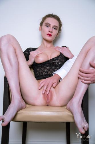 Gerda-Y.-Close-Ups-With-Fingers--a6s4glmrip.jpg