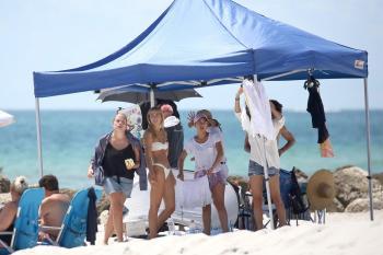 Caroline-Kelley-in-a-bikini-during-a-photoshoot-on-the-beach-in-Miami-8%2F22%2F18-x6rbdl0wm0.jpg
