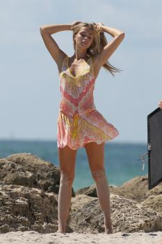 Caroline-Kelley-in-a-bikini-during-a-photoshoot-on-the-beach-in-Miami-8%2F22%2F18-76rbdlvzvi.jpg