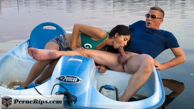 fullyclothedsex-18-08-23-boats-and-hoes-girl-blows-him-good-on-the-boat.jpg