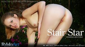 rylskyart-18-08-24-alice-may-star-stair.jpg