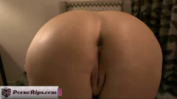 claudiamarie-18-08-02-big-boob-country-girl-4.png