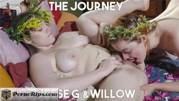 girlsoutwest-18-08-25-jessie-g-and-willow.jpg