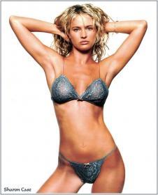 Sharon Case  nackt